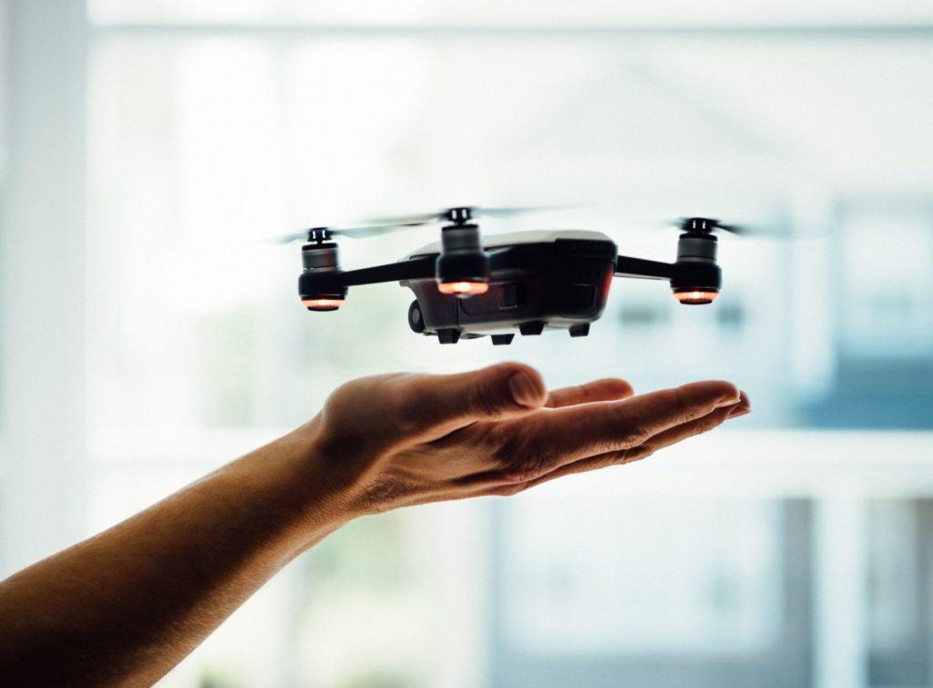 DJI Spark Drohnenversicherung Hand Airandmore