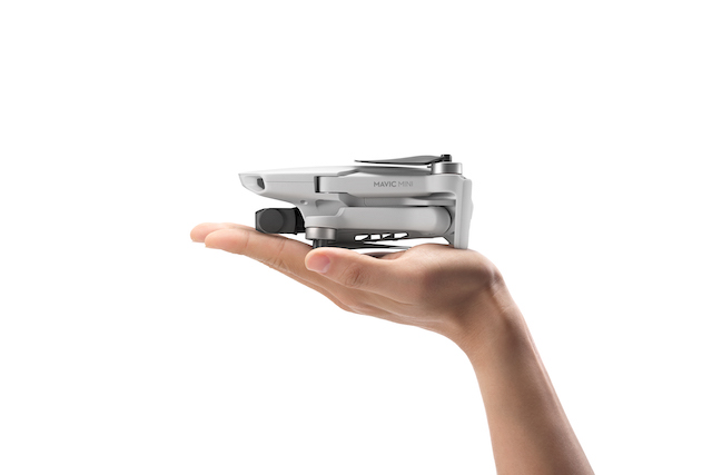 DJI Mavic Mini Hand